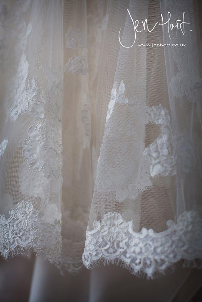 Photograph_Gisborough_Hall_Wedding_Sian&Alastair_15AUG14_004_02