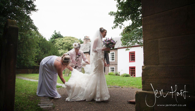 Photograph_Gisborough_Hall_Wedding_Sian&Alastair_15AUG14_057_15