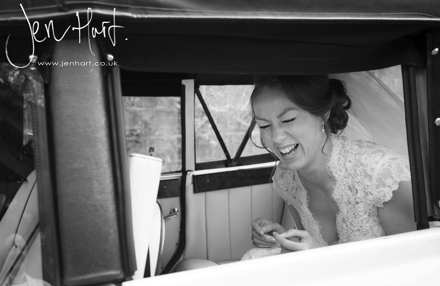 Photograph-Wedding-Whinstone-View_02May15_047