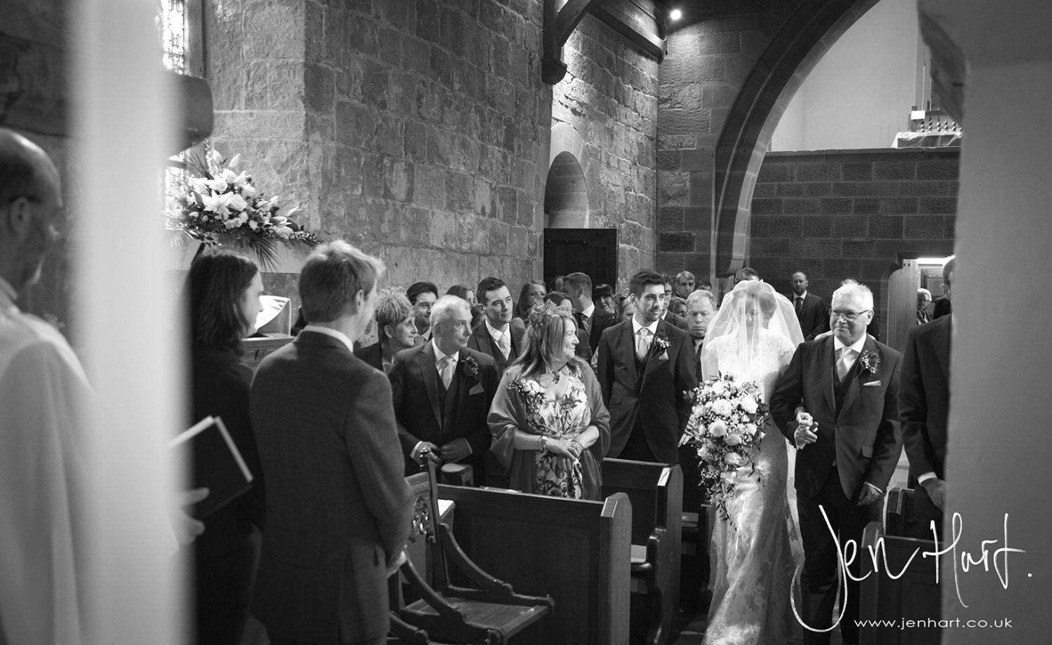 Photograph-Wedding-Whinstone-View_02May15_064