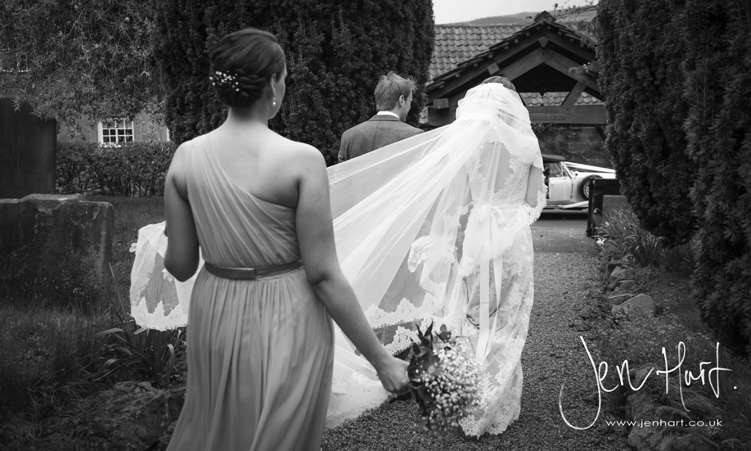 Photograph-Wedding-Whinstone-View_02May15_152