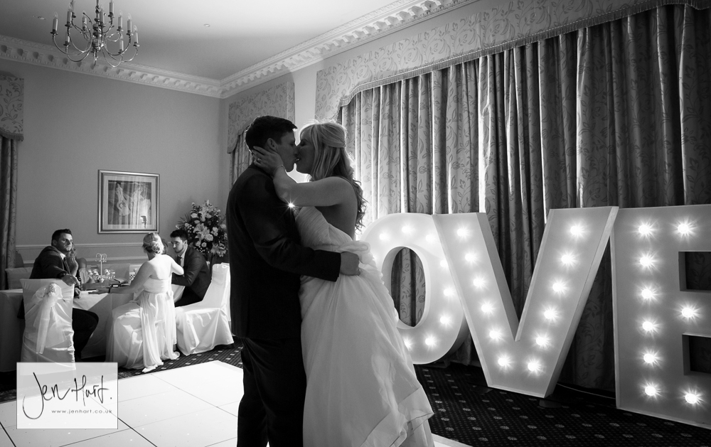 Grinkle_Park_Wedding_Photographer_Emma&Steven_ 28May16_295