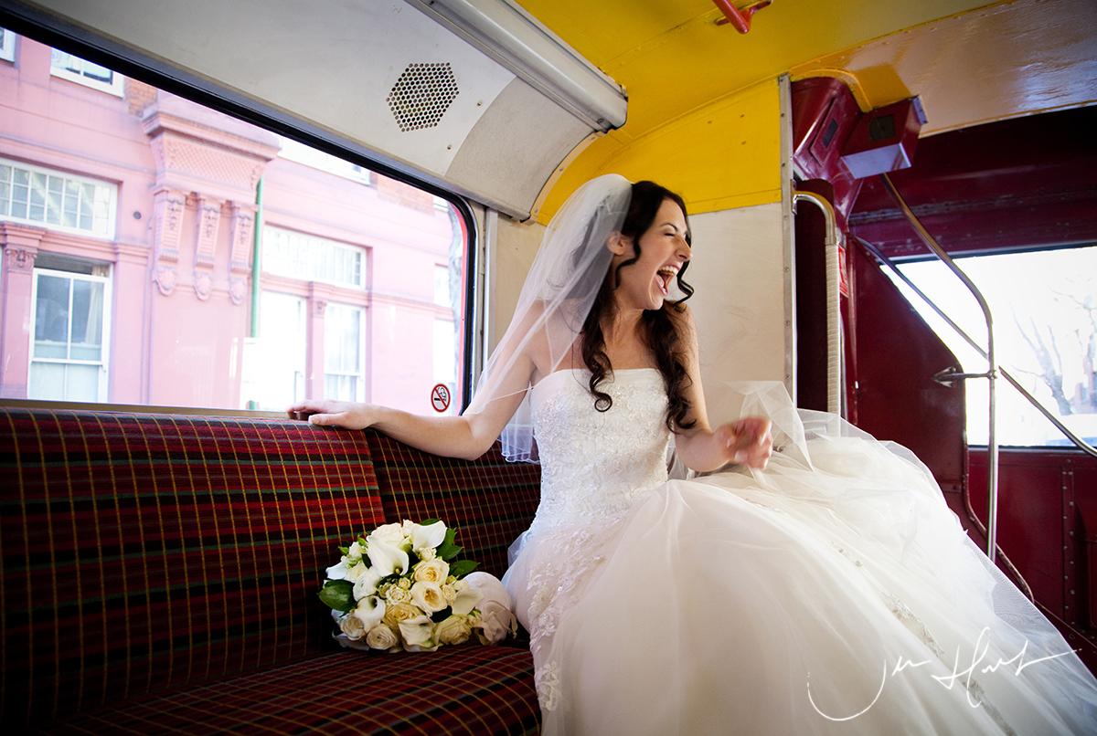 Jen-Hart-Wedding-Photography-London-Bus-Lou&Jim_16